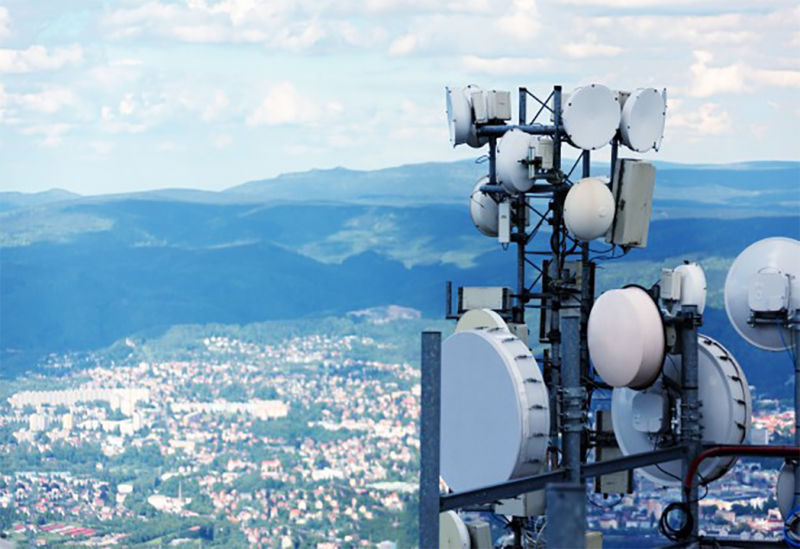 Última oportunidad para las telecomunicaciones en España