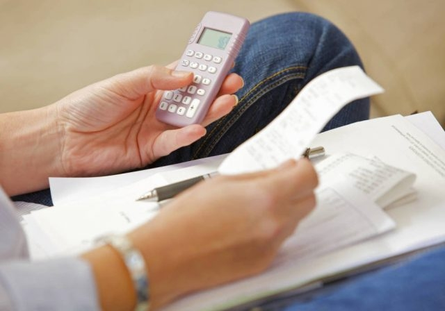 Casi medio millón de españoles no puede pagarse el teléfono