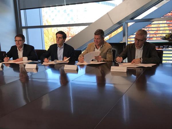 UGT firma el acuerdo de desconexión digital y registro de jornada en Telefónica